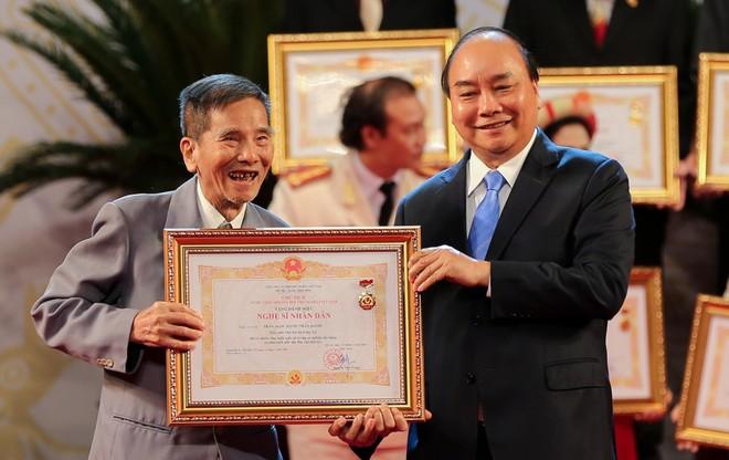 Niềm vui của lão nghệ sĩ Trần Hạnh khi được đặc cách phong tặng danh hiệu NSND