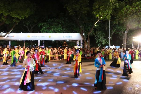 Các điệu múa dân gian đặc sắc của Hà Nội