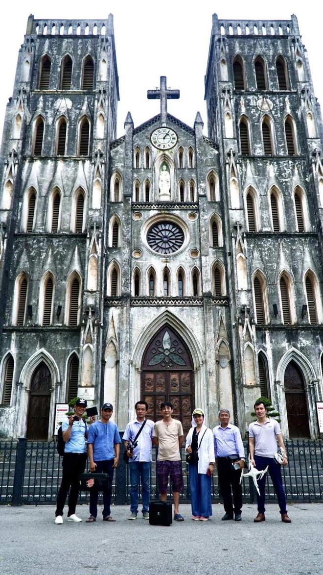 Ê kíp thực hiện tại Nhà thờ Lớn Hà Nội