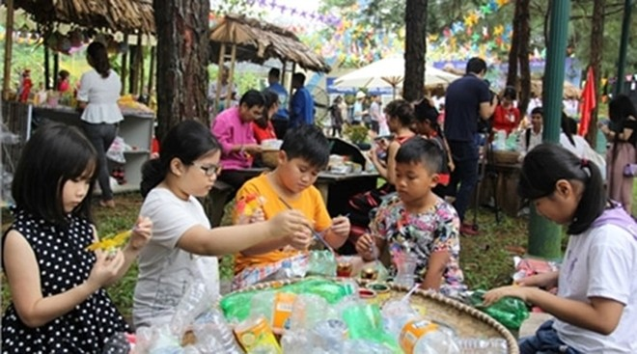 Hoạt động dành cho thiếu nhi tại Làng Văn hóa - Du lịch các dân tộc Việt Nam