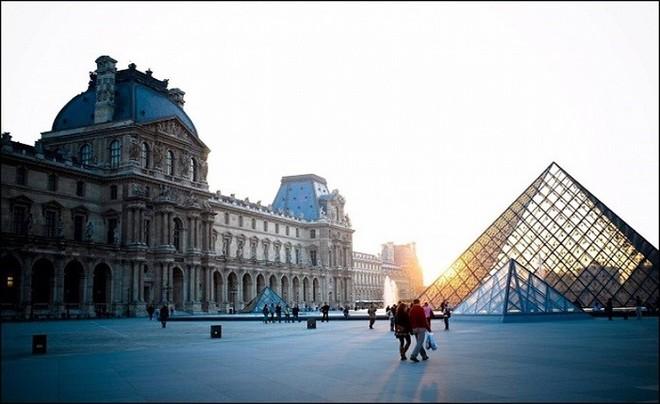 Bảo tàng Louvre mở cửa trở lại sau 4 tháng đóng cửa