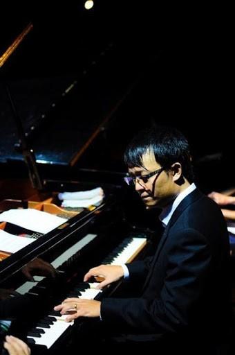 Nghệ sĩ piano Tuấn Nam