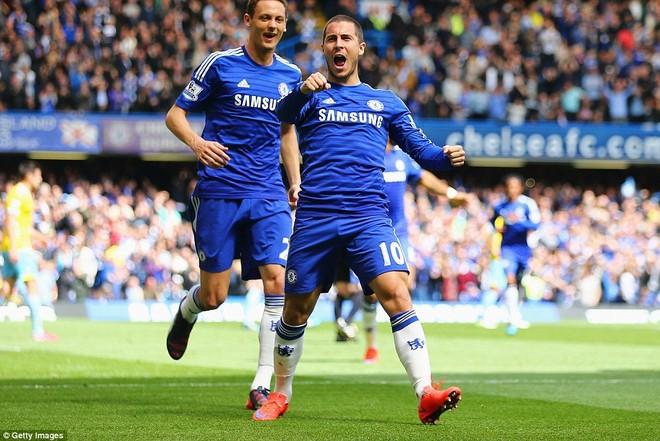 """Chelsea tưng bừng """"quậy phá"""", ăn mừng chức vô địch ảnh 1"""