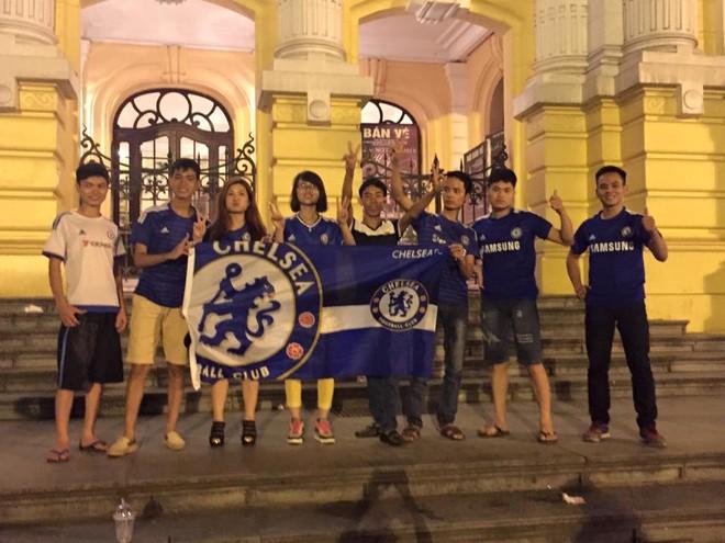 Muôn sắc thái mừng vô địch của fan Chelsea ở Việt Nam ảnh 9