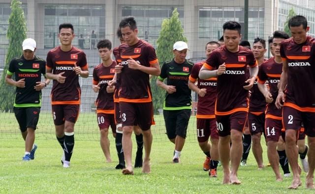 Công Phượng đăm chiêu bên các đàn anh ở Đội tuyển Việt Nam ảnh 3