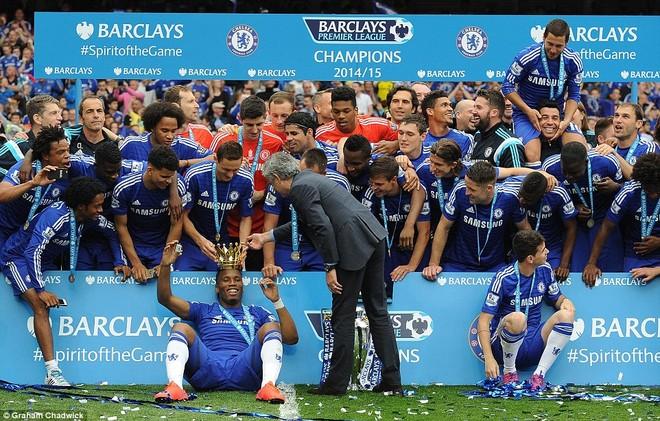 Chùm ảnh Chelsea tưng bừng nhận Cúp vô địch ảnh 10