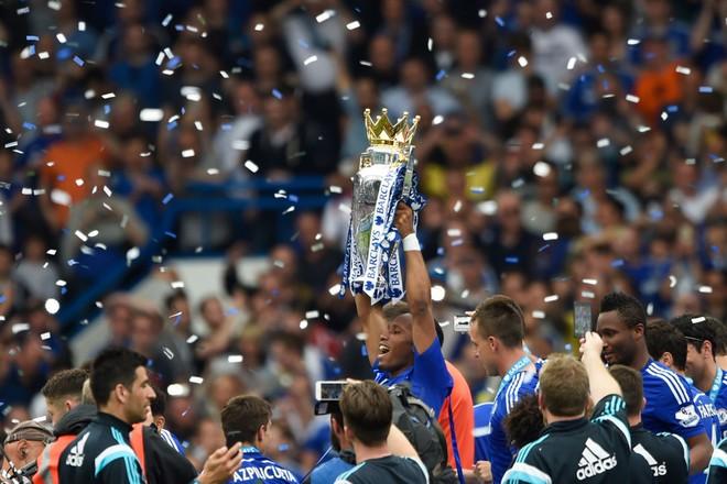Chùm ảnh Chelsea tưng bừng nhận Cúp vô địch ảnh 6