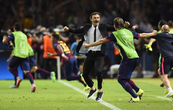 """""""Dừng hình"""" đêm đăng quang để đời của Barcelona ảnh 15"""