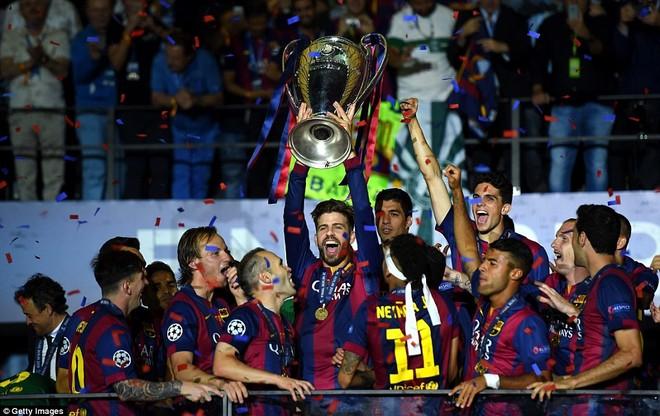 """""""Dừng hình"""" đêm đăng quang để đời của Barcelona ảnh 18"""