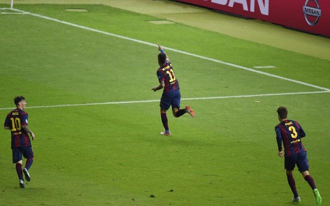 """""""Dừng hình"""" đêm đăng quang để đời của Barcelona ảnh 13"""
