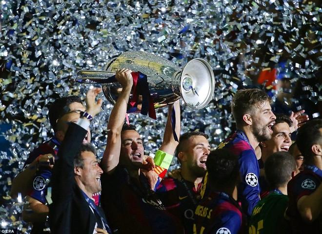 """""""Dừng hình"""" đêm đăng quang để đời của Barcelona ảnh 19"""