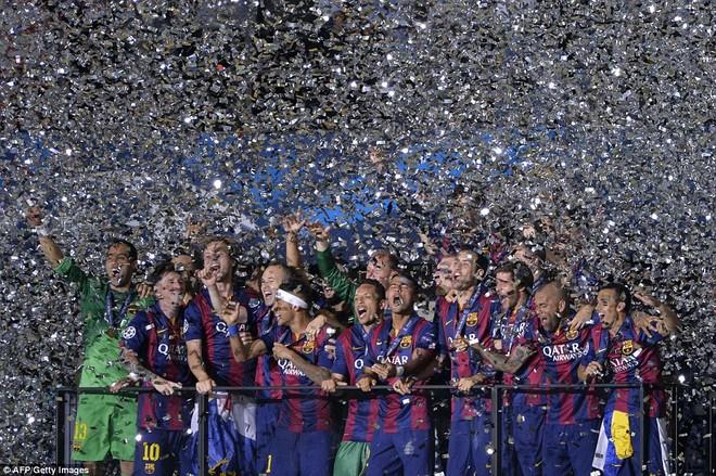 """""""Dừng hình"""" đêm đăng quang để đời của Barcelona ảnh 16"""