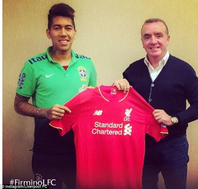 Tân binh của Liverpool hớn hở khoe màu áo mới ảnh 1