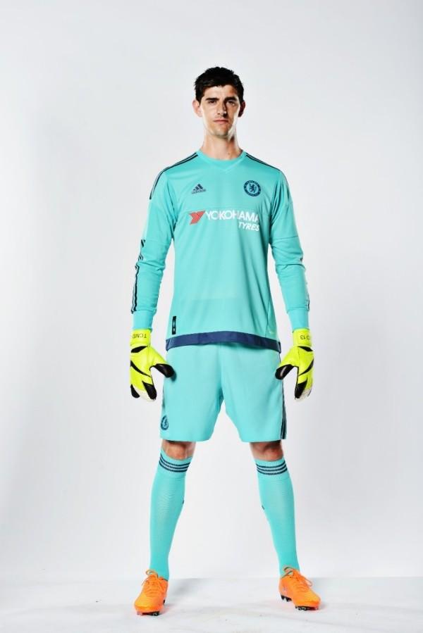 Sao Chelsea cực ngầu khi ra mắt áo đấu hoàn toàn mới ảnh 8