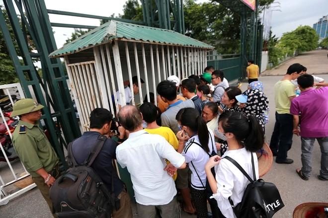 Dễ dàng mua vé xem tuyển Việt Nam đấu Iraq và Thái Lan ảnh 2