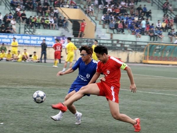 Kết quả, hình ảnh thi đấu ngày 15-11 giải bóng đá học sinh THPT Hà Nội 2015 ảnh 4