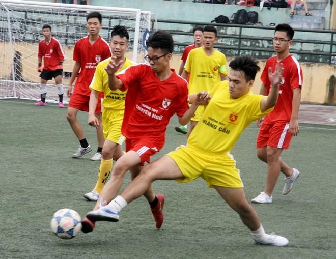 Kết quả, hình ảnh thi đấu ngày 15-11 giải bóng đá học sinh THPT Hà Nội 2015 ảnh 5