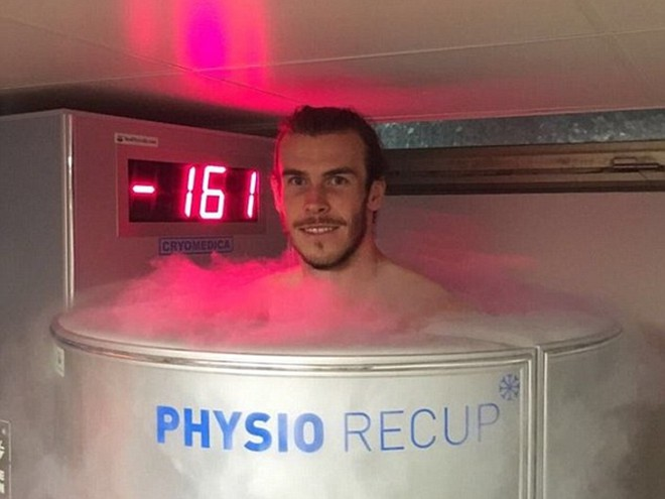 Bale vẫn tươi cười ở nhiệt độ -161 độ