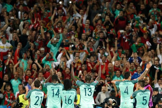 Người Bồ Đào Nha hân hoan...
