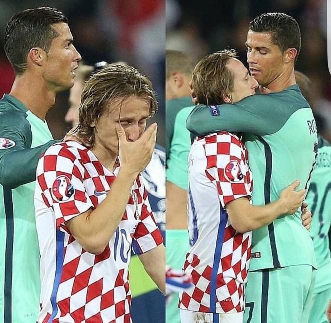 Ronaldo đã thể hiện cử chỉ đẹp khi tới và ôm chặt an ủi người đồng đội thân thiết tại CLB Real Madrid