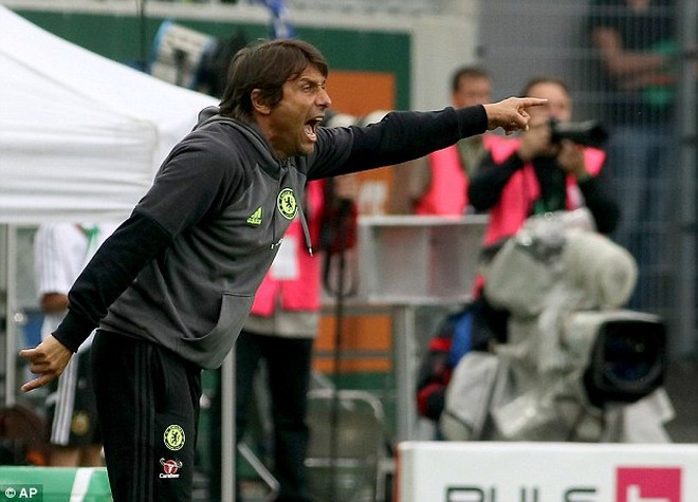 Conte vừa có trận đấu đầu tiên trên băng ghế chỉ đạo Chelsea