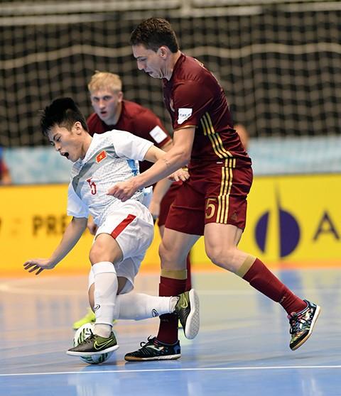 Thua đậm Nga, Futsal Việt Nam vẫn ngẩng cao đầu rời World Cup
