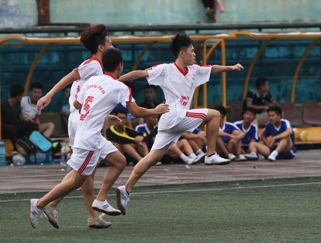 Hình ảnh, kết quả loạt trận chiều 16-10 giải bóng đá học sinh THPT Hà Nội