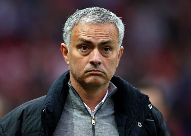 Jose Mourinho vẫn chưa thể giúp M.U vượt qua khủng hoảng