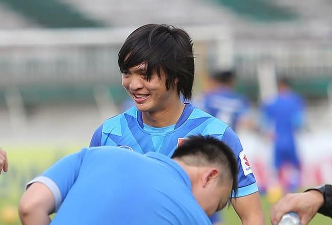 HLV Hữu Thắng gạch tên Tuấn Anh khỏi AFF Cup 2016