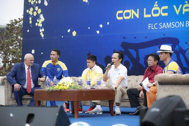 CĐV phấn khích trong lễ tri ân của FLC Thanh Hóa