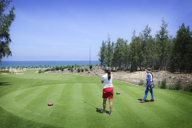 Golfer ở tất cả cấp độ sẽ thích thú chơi ở sân golf này vì triết lý thiết kế mang tính giải trí của nó mang lại
