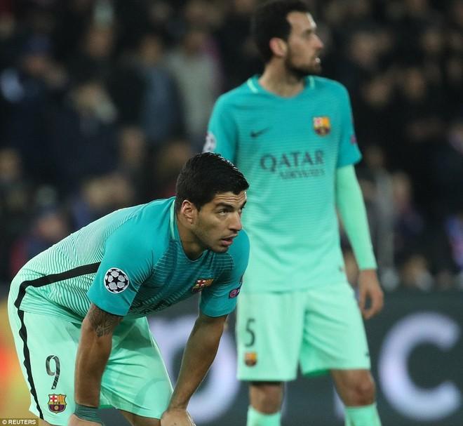 Bị dẫn trước 2 bàn, nhưng nhiều culé vẫn hy vọng hàng công của Barca sẽ có bàn thắng để làm lợi thế trước trận lượt về, ở 45 phút còn lại