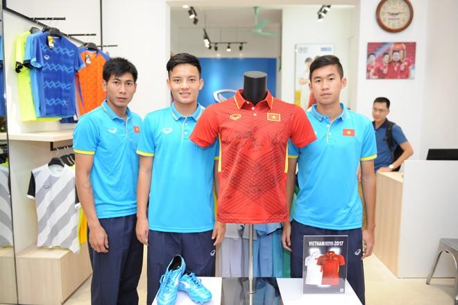 Sức hút từ chiếc áo đấu mới của đội tuyển Việt Nam