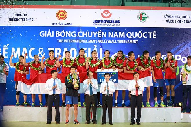 Indonesia bước lên ngôi vô địch