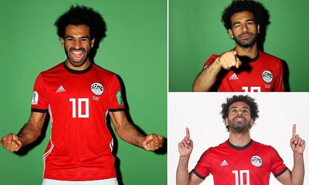 Salah rất tươi tắn trong buổi chụp ảnh thẻ cho World Cup 2018