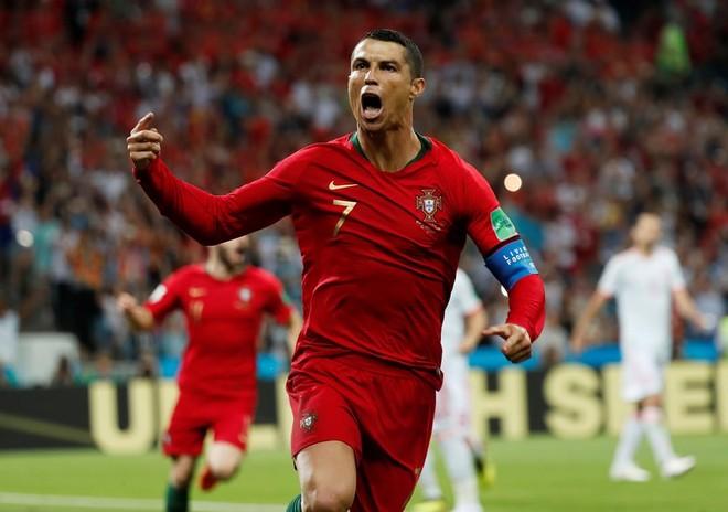 Ronaldo lập hattrick đầu tiên tại World Cup 2018