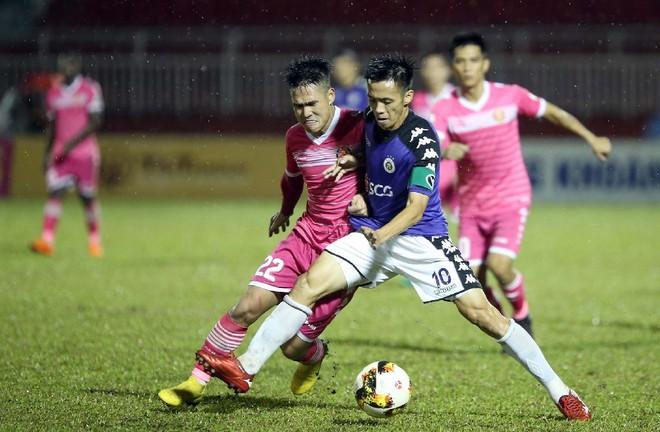 Trận Sài Gòn FC - Hà Nội FC diễn ra trùng giờ World Cup 2018 (Ảnh: VPF)