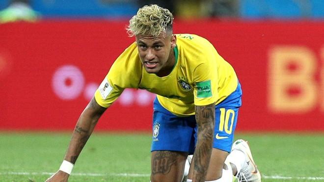 """Neymar đang là mục tiêu cần """"chăm sóc"""" từ các đối thủ của ĐT Brazil"""