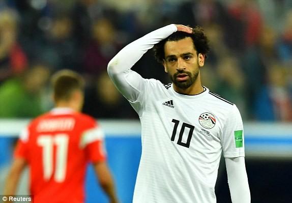 Salah ghi bàn, nhưng không giúp Ai Cập thoát khỏi trận thua đậm
