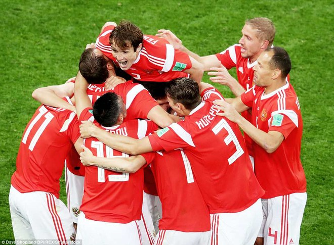 Nga tạo nên hết bất ngờ này đến bất ngờ khác tại World Cup trên sân nhà