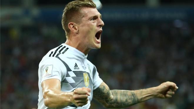 Toni Kroos chứng tỏ phẩm chất Đức đúng lúc