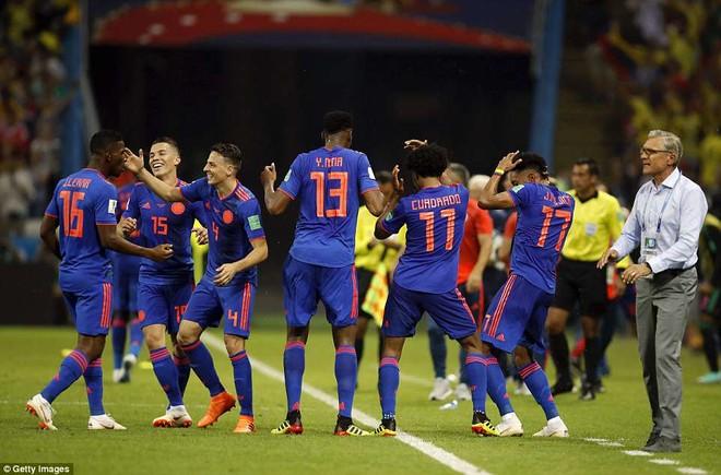 Colombia sống lại hy vọng đi tiếp sau chiến thắng trước Ba Lan