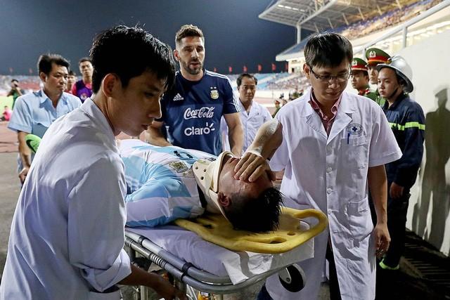 Martinez gặp nạn trên sân Mỹ Đình, nhưng rất may không ảnh hưởng tới sự nghiệp