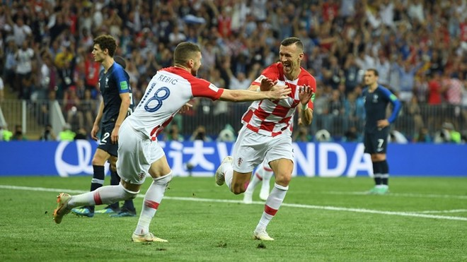 Perisic thắp lại hy vọng cho Croatia