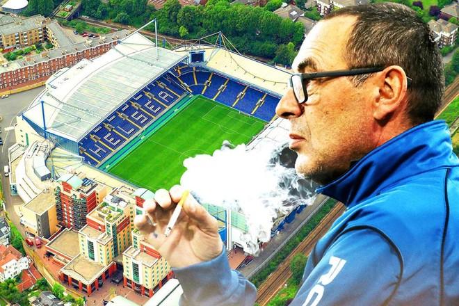 Sân Stamford Bridge sẽ phải có một chỗ hút thuốc riêng cho HLV Sarri