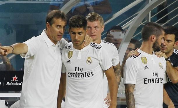 Asensio (thứ hai từ trái qua) sẽ được HLV Lopetegui đặt trọn niềm tin