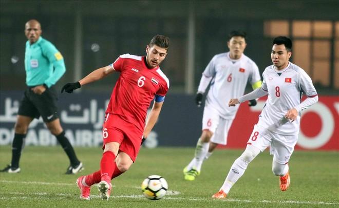 Việt Nam (trắng) từng buộc Syria chia điểm ở VCK U23 châu Á