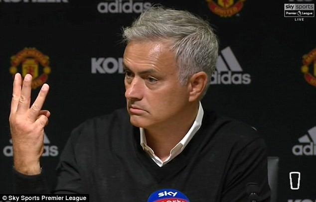 HLV Mourinho thêm một lần tự mãn về 3 chức vô địch Ngoại hạng Anh từng có với... Chelsea