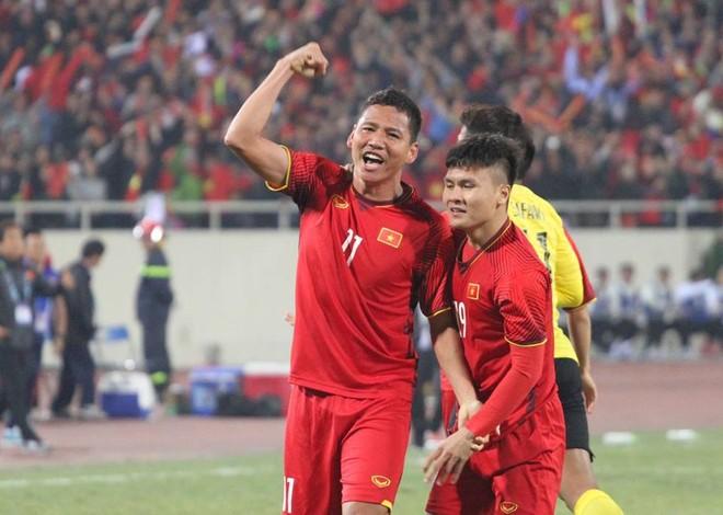 Anh Đức và Quang Hải là bộ đôi làm nên bàn thắng cho ĐT Việt Nam