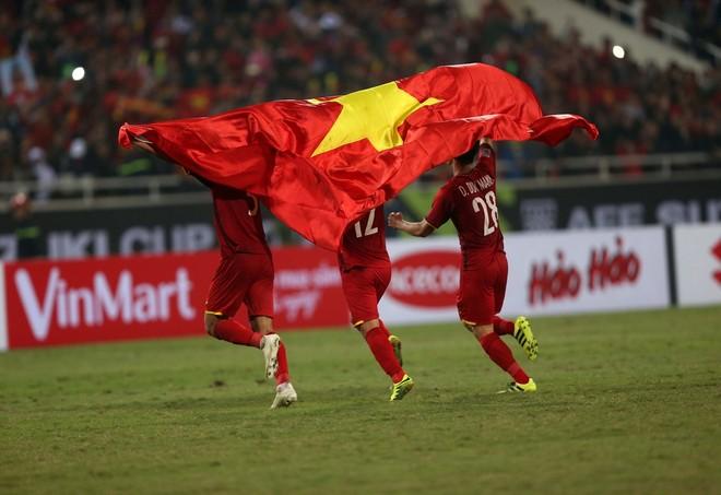 ĐT Việt Nam đã trải qua 16 trận trong vòng hơn 2 năm mà chưa biết thua (Ảnh: Vũ Vy)
